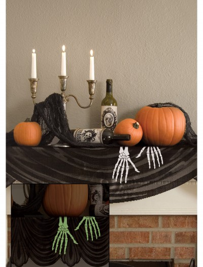 Glow in the Dark Skeleton Hands Mantle Scarf, halloween costume (Glow in the Dark Skeleton Hands Mantle Scarf)